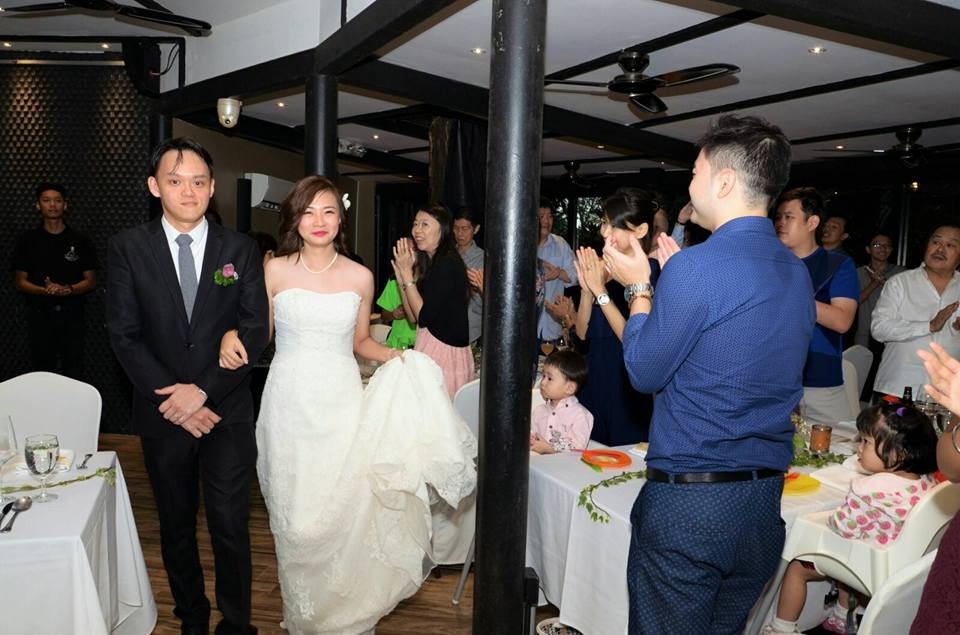 Do you need a professional to photograph your wedding? 1