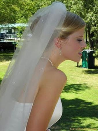 mobile-phone-wedding-photo-movement-delay