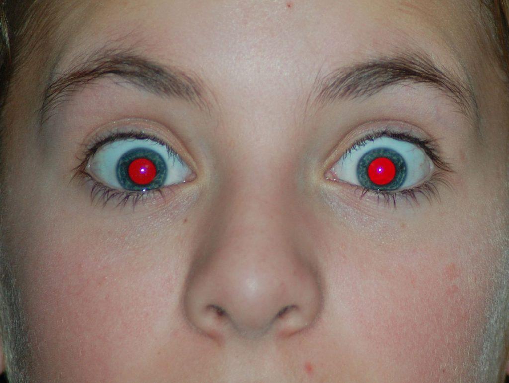 red-eye-pop-up-flash