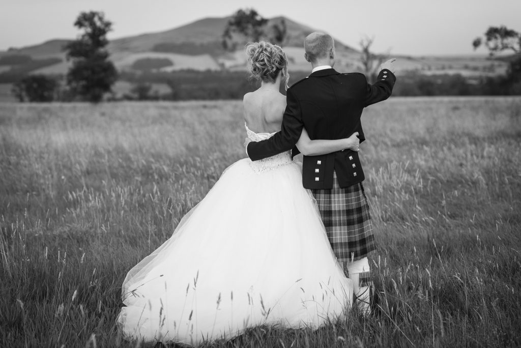 Taking wedding photography bookings for 2022 1