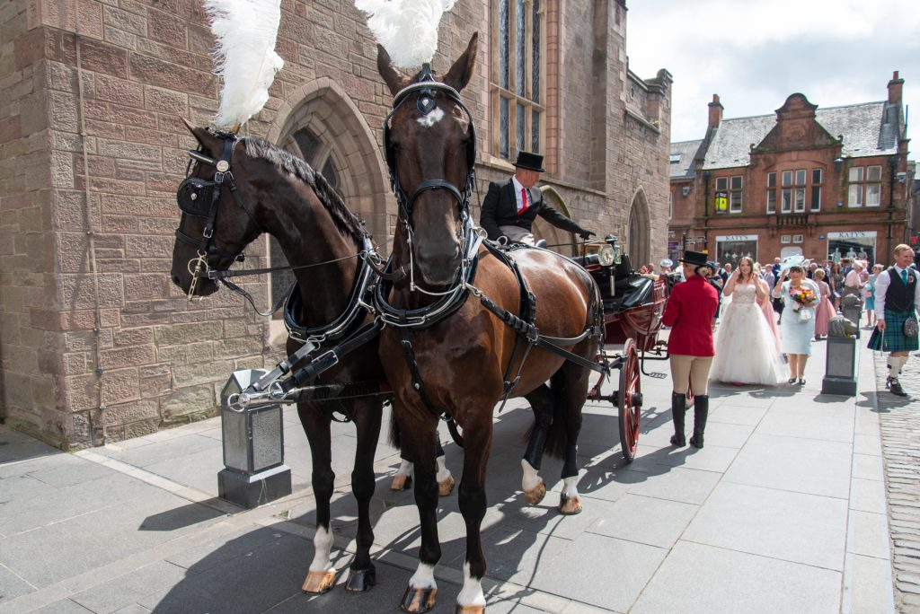 Horse and Carriage wedding at St Johns Kirk, Perth